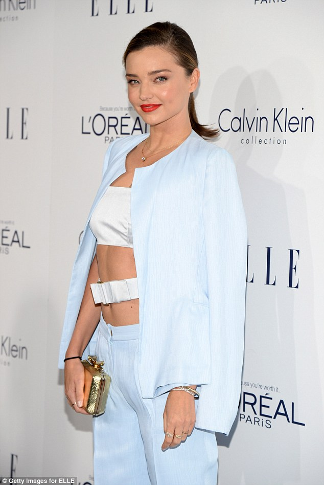 Foto Model Seksi Miranda Kerr di ELLE Women Hollywood Award Los Angeles