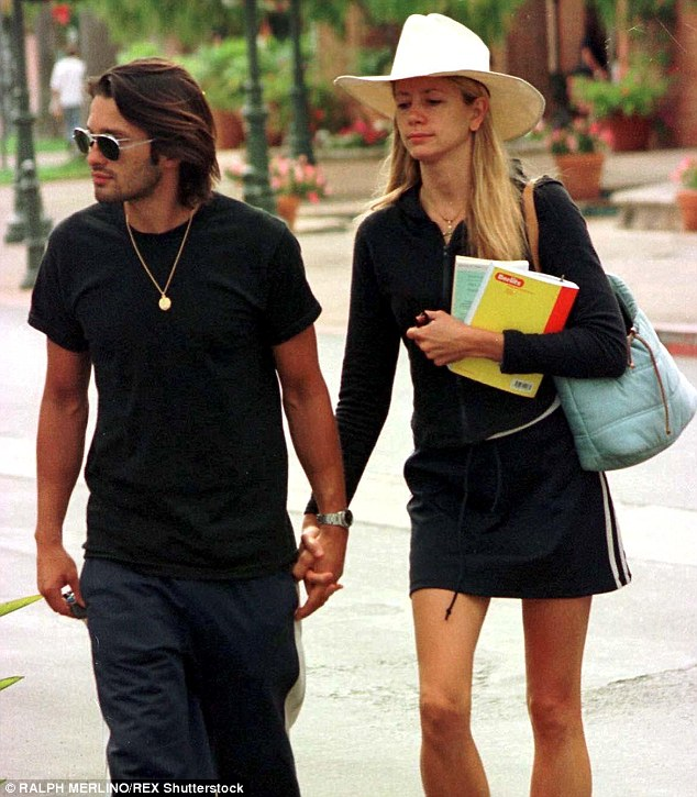 His first American movie star:Olivier dated Mira Sorvino from 1999 to 2002