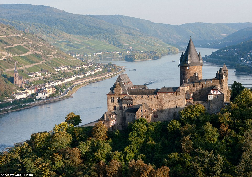 Nestled in the picturesque Rhine Valley, the fortified Burg Stahleck has been converted into a family-friendly youth hostel