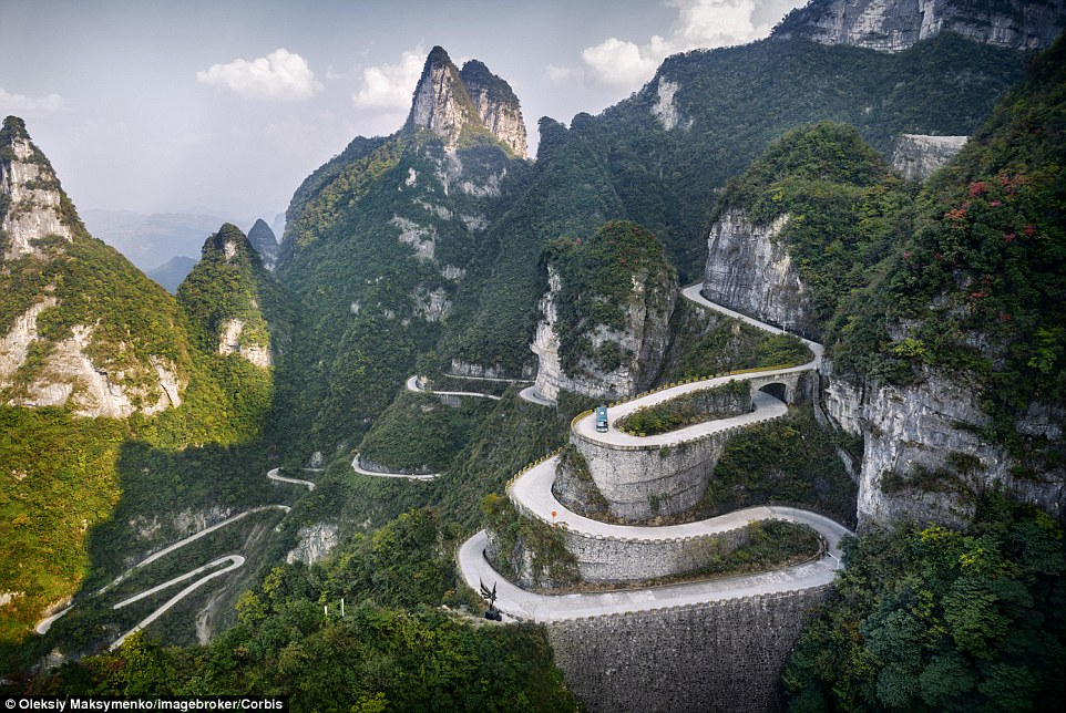 You can see why this winding driveway in Tianmen Mountain National Park is called Serpentine Road. The road took eight years to construct. To get there, you need to drive up Tongtian Avenue, which has 99 turns thought to symbolise heaven having nine palaces