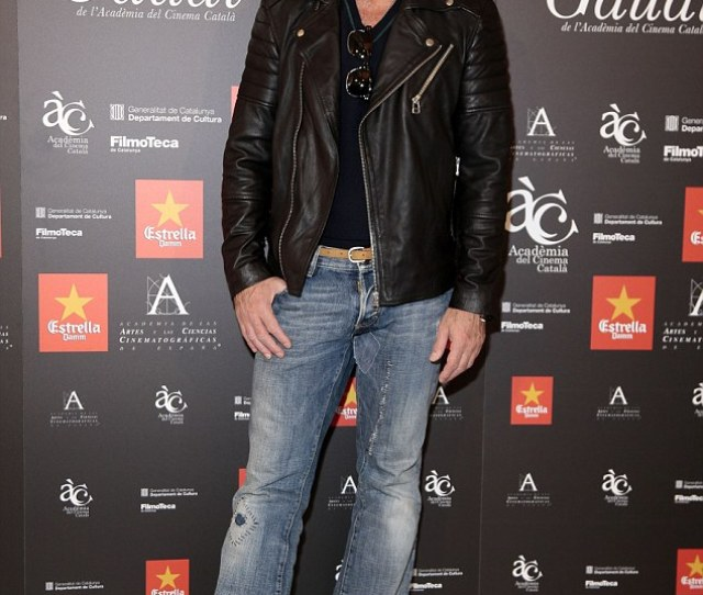 Dapper Display The Spanish Actor Cut A Smart Casual Figure In A Black V