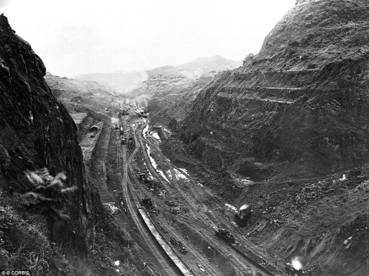 Image result for photos of panama canal culebra cut construction