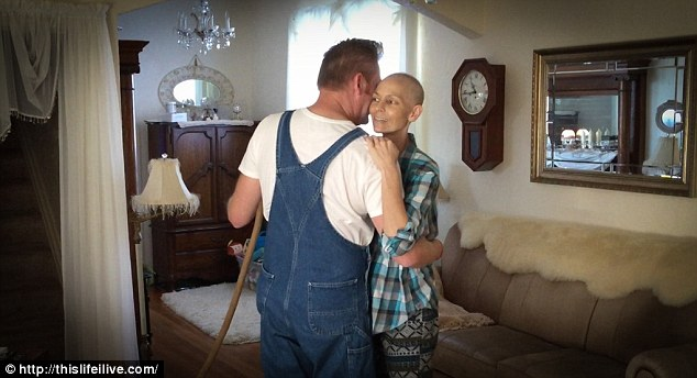 Terminally Ill Joey Feek Shares Photo Of Herself And Toddler Daughter In Matching Braid Hats
