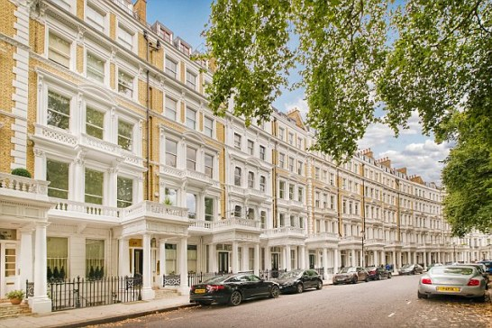 Average prices in Kensington & Chelsea have risen by more than £125,000 in the past year