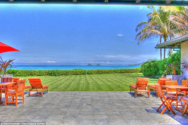 Stunning ocean views: According to Oahu Luxury Homes the oceanfront provides a stunning view of the Moluka Islands