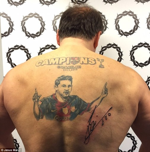 The fan then had Messi's signature permanently added to his back, accompanying his other artwork