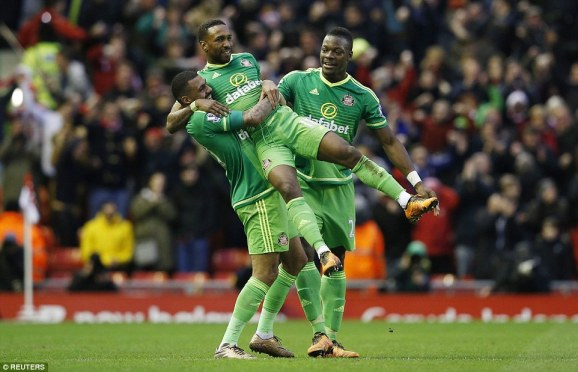 Jermain Defoe then netted a late equaliser for Sunderland as they stunned Liverpool with a quickfire double