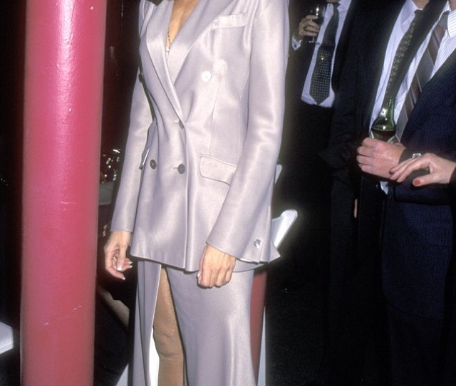 Paula Attended A Private Part In New York City In  The Year She Married