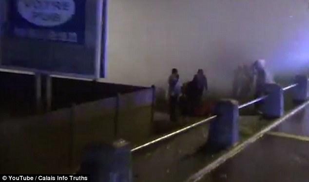 La policía dijo que no hubo incursiones registradas en el túnel ya que el grupo se dispersó de la zona en las primeras horas de la mañana