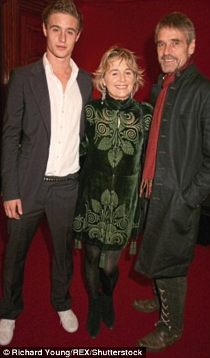 Jeremy  with his wife Sinead and son Max