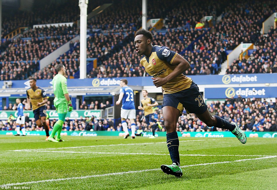 Arsenal striker Danny Welbeck celebrates his opener against Everton in the early Premier League clash at Goodison Park