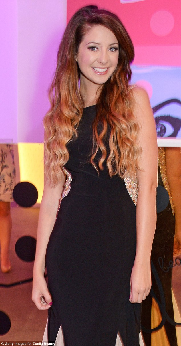 Zoella Is Crowned The Worlds SEXIEST Beauty Star By