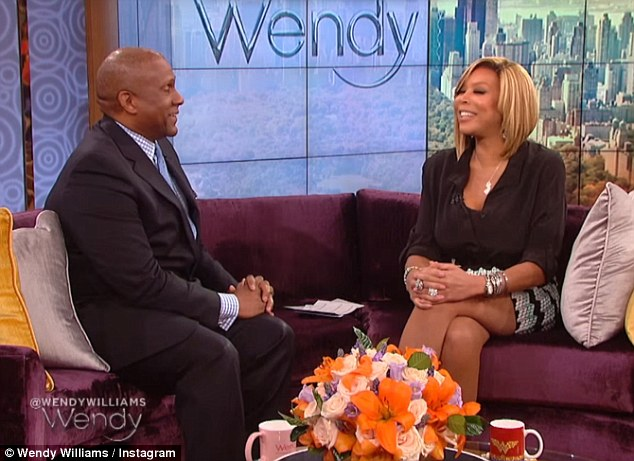 Wendy Williams Totes Large Louis Vuitton Bag While