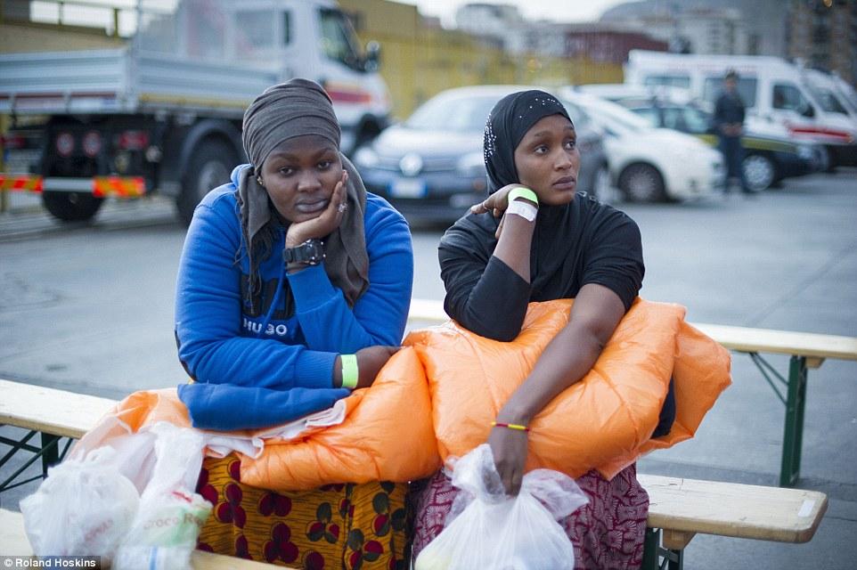 Prevención: El objetivo de asegurar que los migrantes son recogidos antes de que se acercan a la costa italiana, para reducir las muertes este año