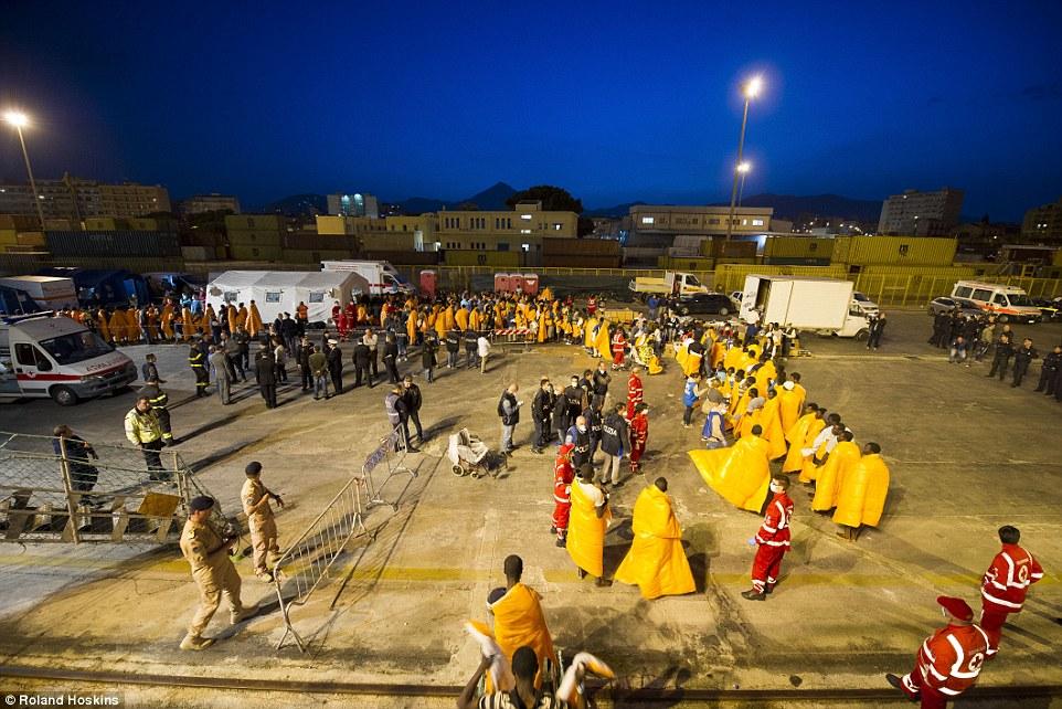 Internacional: El barco noruego Siem el piloto está trabajando bajo la autoridad de la fuerza de Frontex frontera de la UE, para ayudar con los esfuerzos de rescate