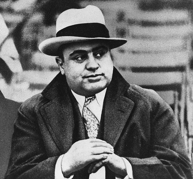 Al Capone rigged roulette table reveals how croupier could ...