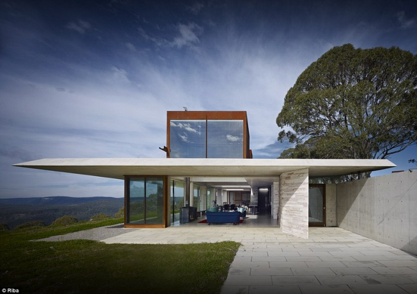 Invisible House in Australia was voted House of the Year in 2014 by the Australian Institute of Architects. The building, designed as a 'rugged retreat' for a film-maker, overlooks the Megalong Valley in the foothills of the Blue Mountains near Hampton
