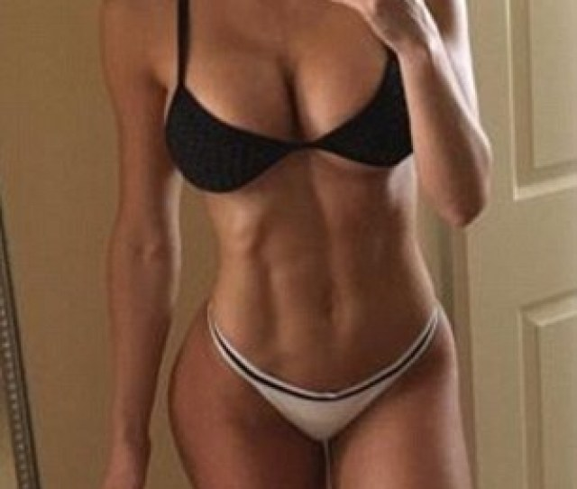Wow The Fitness Star Has An Incredibly Toned Body Which She Shows Off At