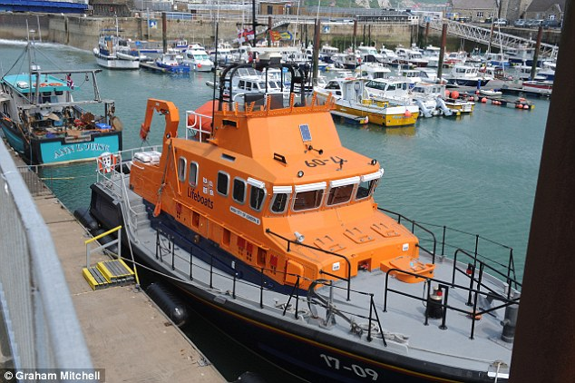 Coastguards rescued 18 suspected illegal immigrants from the English Channel off the Kent coast