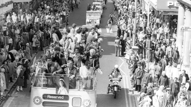 Muhammad Ali photographié lors d'une visite à South Shields en 1977