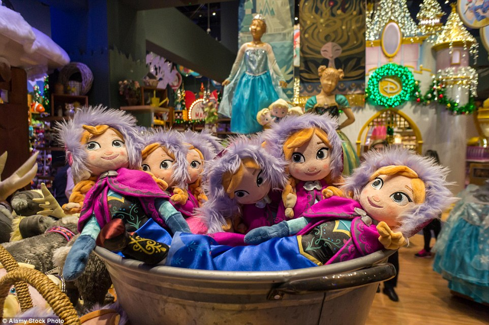 Chinese Sweltering Factory Where Workers Make 25 Disney