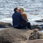 She Wastes No Time : Taylor Swift & Tom Hiddleston Pack On The PDA In Rhode Island