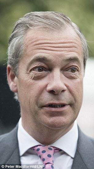 El líder del UKIP tenía una comida con su hijo la noche anterior, en lugar de unirse a una discusión en el canal 4