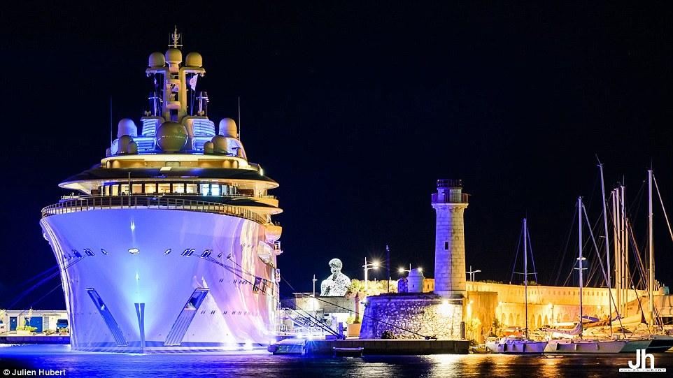 Dilbar Superyacht Delivered To Alisher Usmanov Daily