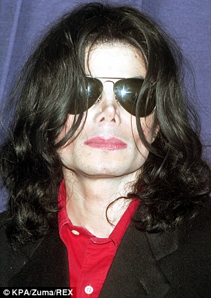 Bizarre collection of pornography: Michael Jackson