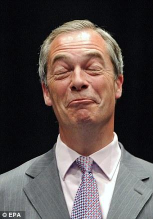 Farage formó UKIP en 1993 y ha sido eurodiputado desde 1999, año en que se casó con su segunda esposa, de origen alemán, Kirsten Mehr, dos años después de su primer matrimonio terminó en divorcio