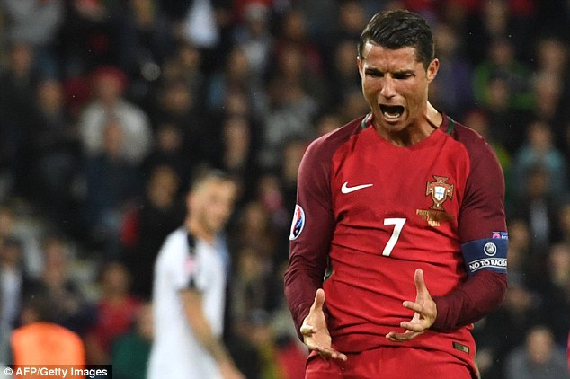 Cristiano Ronaldo scored the opening penalty as Portugal beat Poland to reach the semi-finals
