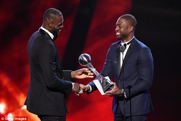 Wade presents his former Miami Heat team-mate James with his Best Male Athlete award