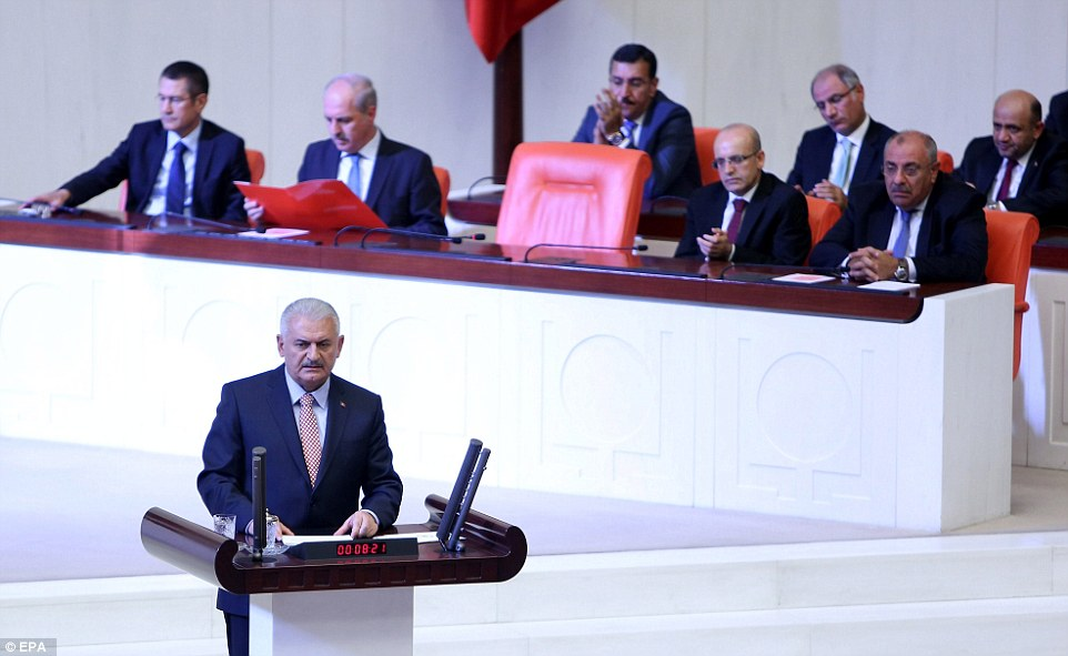 Turkish Prime Minsiter Binali Yildirim briefed politicians on the attempted coup in the national parliament in Ankara