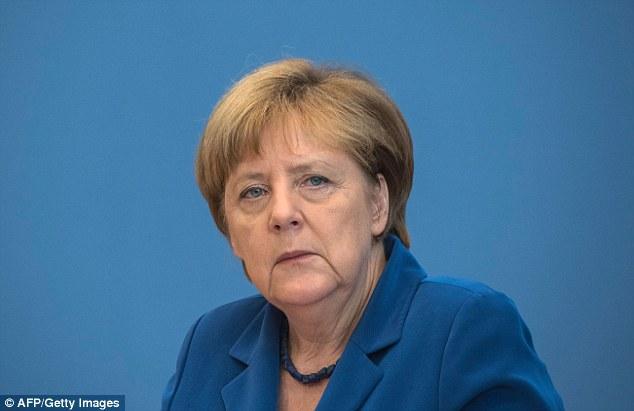 Angela Merkel estableció un plan de nueve puntos el jueves para responder a los ataques, incluyendo un sistema de alerta temprana para la radicalización de los refugiados