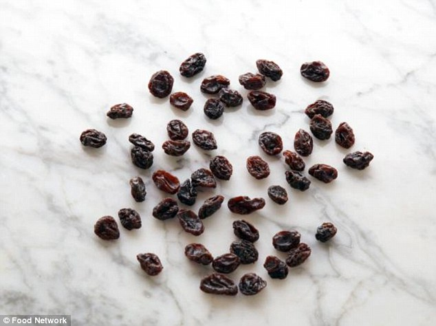 There's two calories for every raisin, so a 100-calorie serving means 50 raisins