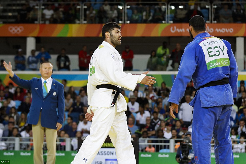 When Sasson extended his hand at the end of the bout, El Shehaby backed away during the first round of the judo
