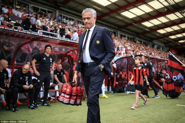 Mourinho walks out before kick-off for the first time in the Premier League as a Manchester United manager