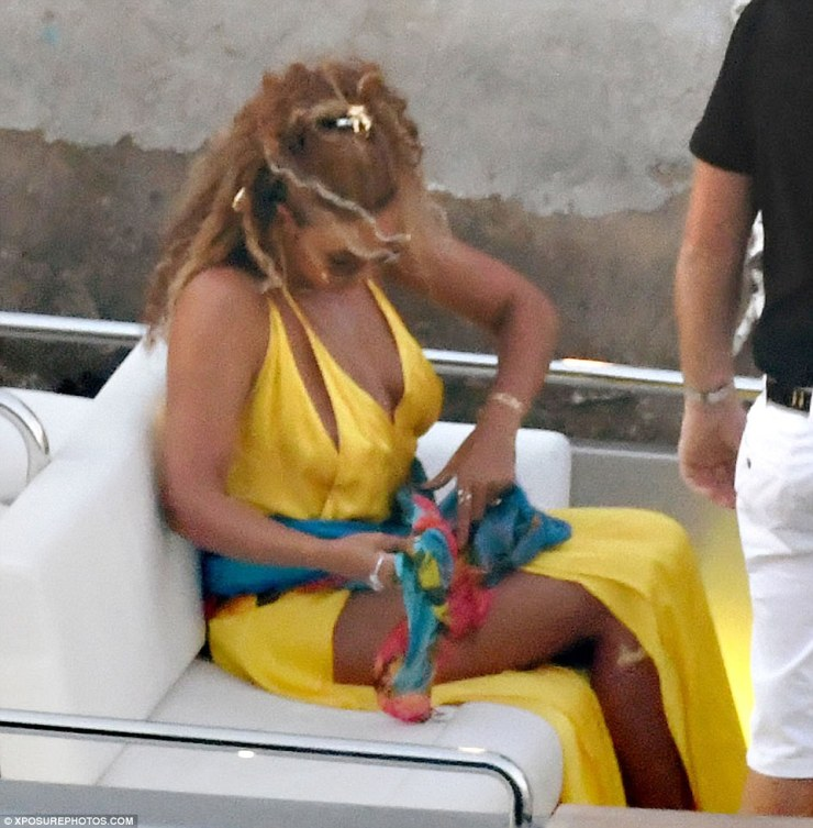 Golden bey!Beyonce looked every inch the superstar as she left her luxury mega yacht on Sunday and headed for dinner in Nerano by speedboat with her husband