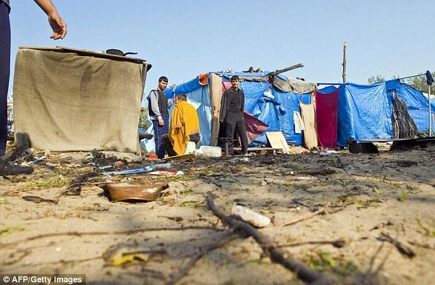 """Sarkozy dijo: """"La selva no debe estar en Calais.  Es perfectamente normal para nosotros controlar nuestras fronteras '"""
