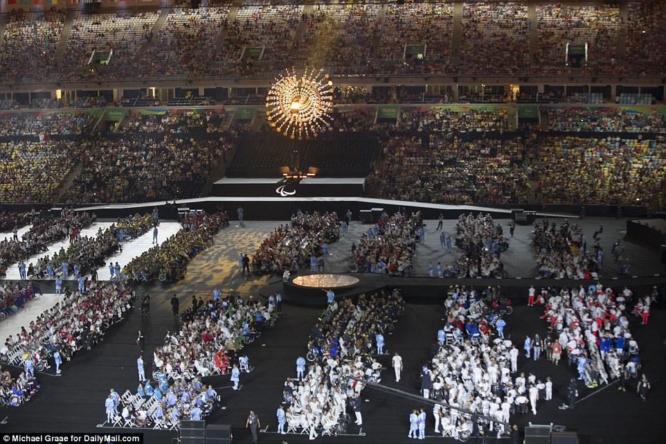 Spectacular: Após 11 dias de competição muito disputada nos Jogos Paraolímpicos terminou no Rio depois de um agitado jogos