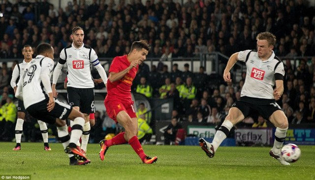 Philippe Coutinho side-footed home to finish a fine Liverpool move as the Premier League side doubled their advantage
