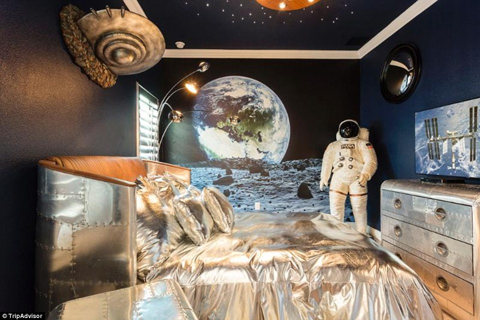 You'd have to dig deep into your pockets to rent this £971-a-night five-bedroom house in Orlando, Florida, which boasts themed kid's rooms including the one