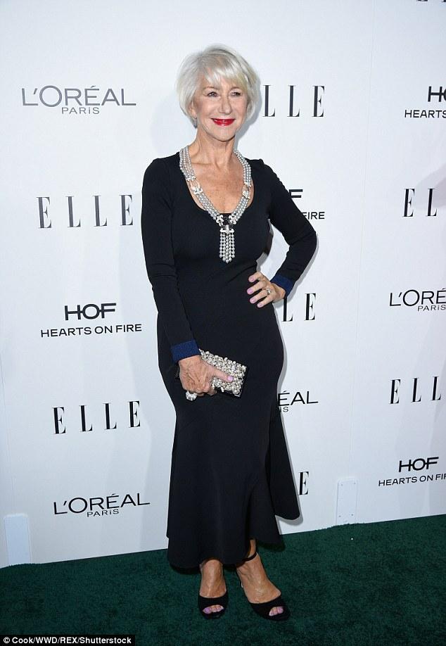Como ela faz isso?  Dame Helen Mirren, 71, virou-se para trás os anos na segunda-feira noite, quando ela participou do 23º Mulheres Anual ELLE No concessões de Hollywood no hotel Beverly Hills em Los Angeles