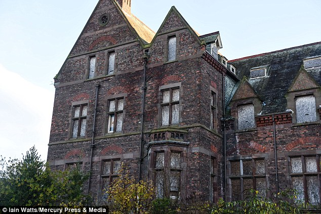The spooky building was an oldVictorian orphanage which is nownow home to a maze of corridors, wards, accommodation blocks, chapel and even a morgue