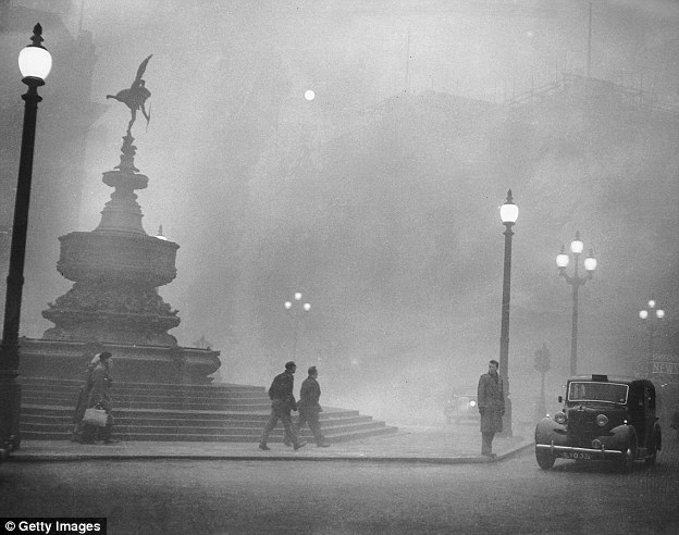 When the fog first rolled through in December of 1952, residents took little notice; fogs have long enveloped the city. The image reveals heavy smog in Piccadilly Circus, London, 6th December 1952