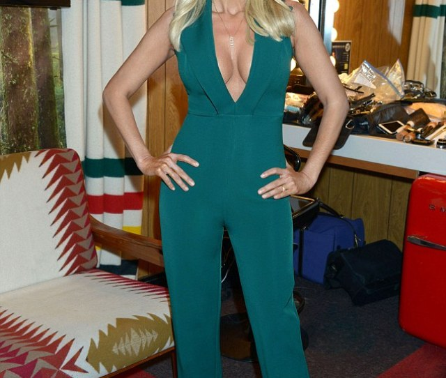 All Eyes On Her Kristin Chenoweth 48 Wore A Daring Green Bodysuit For