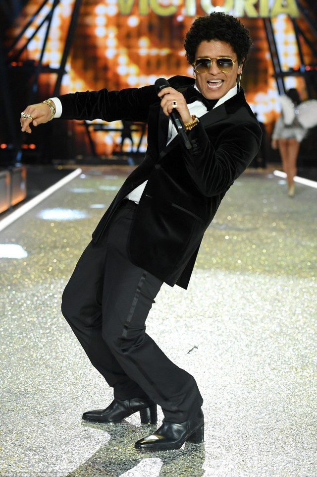 When I Was Your Man: Bruno Mars was also one of the A-list performers on the night