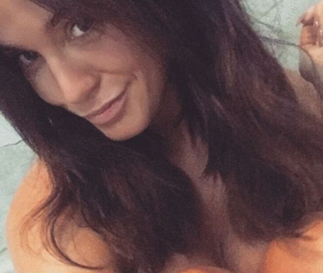 Stripping Off Vicky Pattison  Was Keen To Flaunt Her Killer Tan With