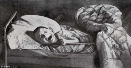 Un niño llorando se representa en un hospital de Samara. La foto fue representada por la misión humanitaria de Fridjtof Nansen en: Historia de los soviéticos, por Henri de Weindel, Francia, 1922-1923