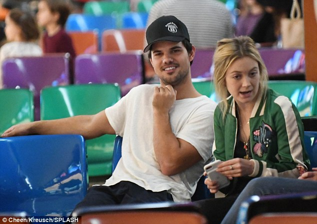 Image result for billie lourd and taylor lautner